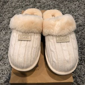 UGG Cozy Knit slippers in Cream Size 10. Brand New